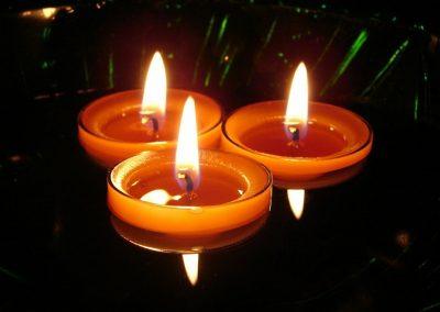 velas-flotantes-color-naranja